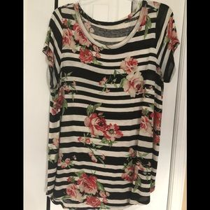 Tops - Short sleeve top. Size 3x